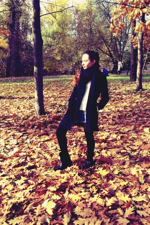 black reserved boots - black Stradivarius coat - white Stradivarius sweater