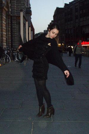black coton dress - black Somewear cardigan - brown exit shoes
