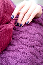 Black-ugg-boots-maroon-knitted-diy-dress