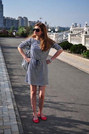 H&M dress - silver Apart bag - dark brown Gucci sunglasses - red Braska flats