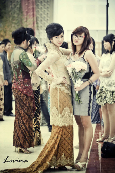 "Gold La Diva Traditional Kebaya Dresses | ""MY BEST MOMENT ..."