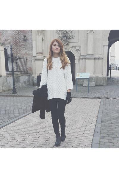 ivory H&M sweater