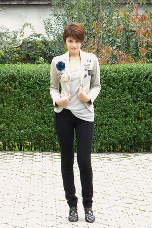 silver Erros blazer - silver Zara t-shirt - black Otto Hermann leggings - black