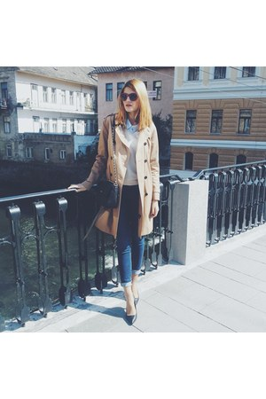 camel Massimo Dutti coat - black Mihaela Glavan shoes