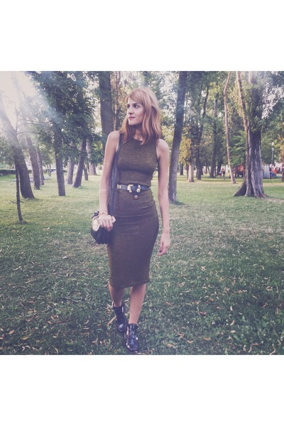 olive green Stradivarius dress