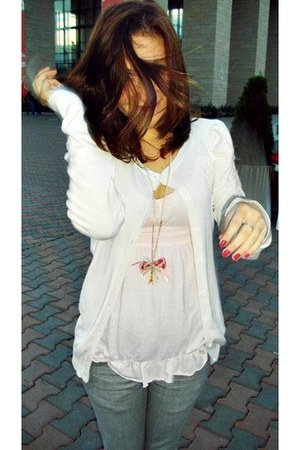 jeans - blazer - blouse - accessories