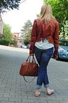 blue Zara jeans - tawny leather jacket thrifted vintage jacket - nude Zara flats