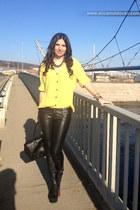 black Zara coat - mustard vintage shirt - black H&M bag - black Zara necklace
