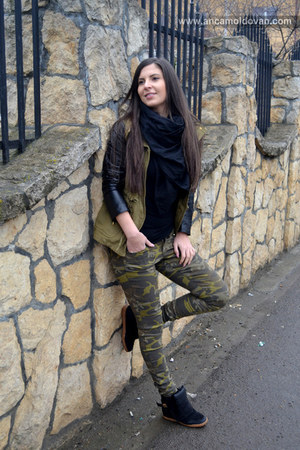 olive green Zara coat - army green Only panties - black Zara blouse