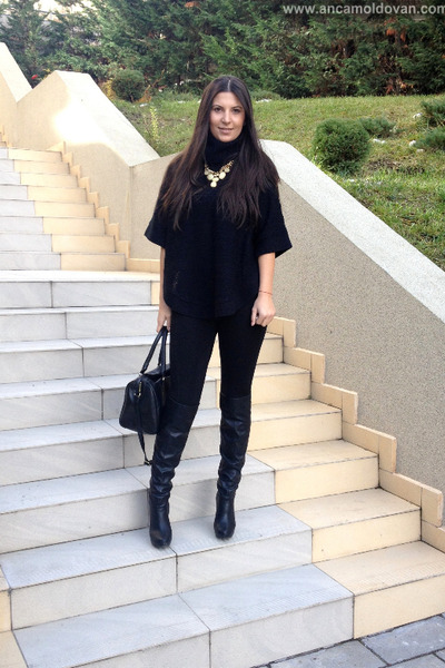 black Stradivarius boots - black H&M bag - black Zara pants