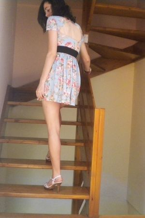 blue Zara dress - white Zara shoes