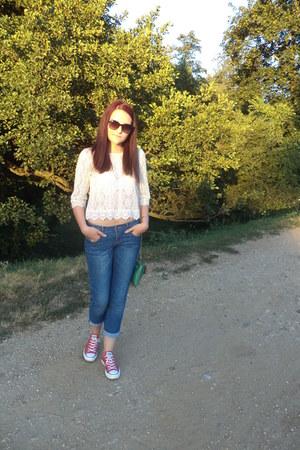 blue H&M sunglasses - blue kenvelo jeans - green purse - red Converse sneakers
