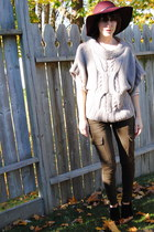 crimson hat - heather gray Generra sweater - olive green J Brand pants