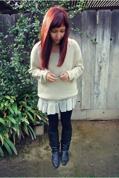 Forever 21 sweater - thrifted boots - Forever 21 leggings