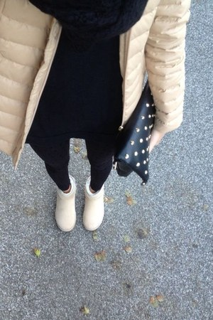 black Zara leggings - beige Ugg Australia boots - beige Orsay jacket