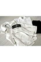 leather GINA TRICOT vest - silk GINA TRICOT shirt - glasses