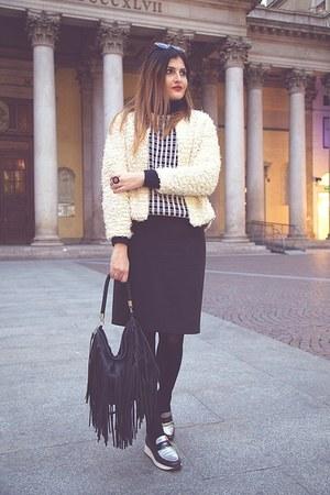 black H&M bag - navy vintage sweater - black Dames skirt - beige H&M cardigan