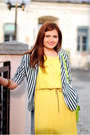 Yellow-pleated-eyeboxs-dress-black-striped-miniprix-blazer