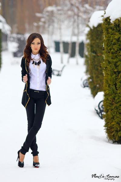 black sweater - white shirt - black necklace - black pants - black heels
