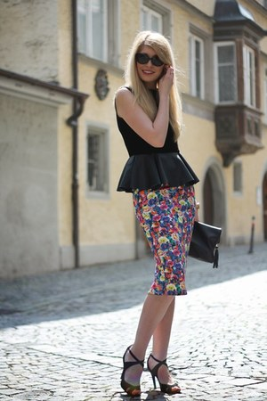 peplum Choies blouse - black H&M purse - black Zara sandals - floral Zara skirt