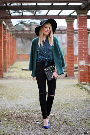 black studded Mango bag - black ripped Zara jeans - black fedora H&M hat