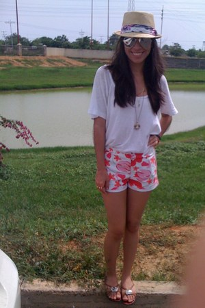 white Lucky Brand shirt - hot pink Marimekko shorts