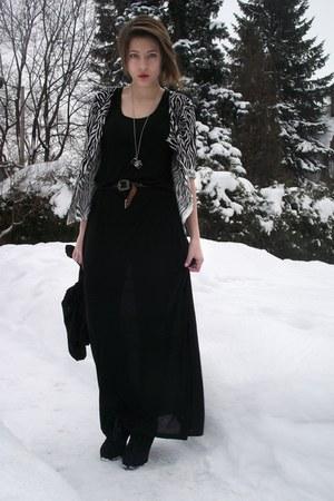 black H&M dress - white Forever 21 cardigan - black Marc Jacobs heels - silver F
