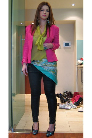 turquoise blue H&M accessories - hot pink vintage christian dior blazer