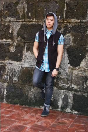 blue H&M shirt - black Dr Martens boots - dark gray Uniqlo jeans