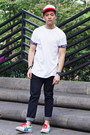 Navy-skinny-jeans-uniqlo-jeans-red-bench-hat-white-topman-t-shirt