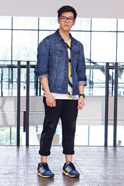 blue denim H&M jacket - white Zara t-shirt - black joggers Forever 21 pants