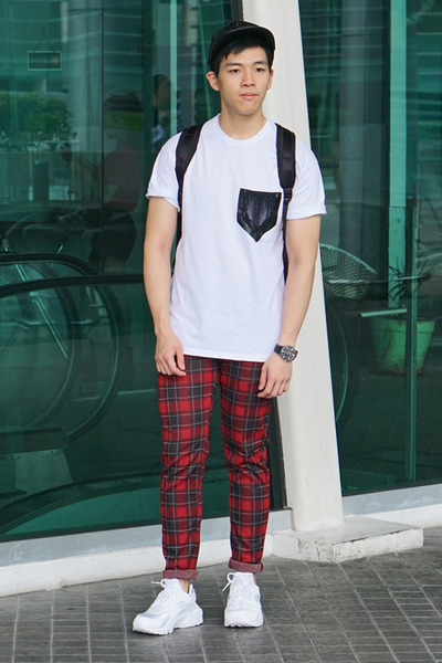 cadc26db white Topman t-shirt - black Topman hat - ruby red plaid checked Zara pants