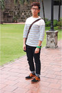 Tawny-cole-haan-shoes-navy-uniqlo-jeans-gray-topman-socks