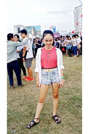 red DIY top - white 2hand shirt - light blue jeans shorts - black flats