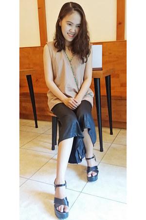 beige japanese top - black handmade panties - black heels