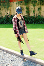 Black-boots-black-leather-hat-brick-red-tartan-2hand-shirt