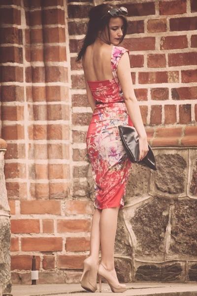white reserved cardigan - red Iris Janvier dress - beige Mango heels