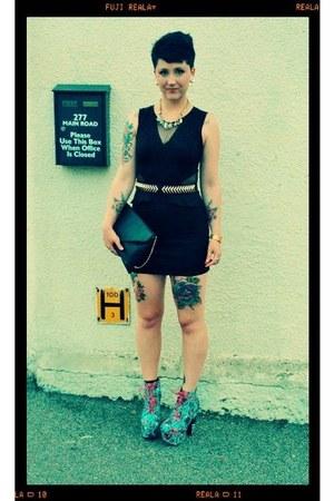 sky blue iron fist iron fist heels - black bodycon Primark dress