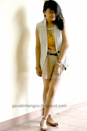 nude Fabchic shorts - nude Zara vest - mustard H&M top