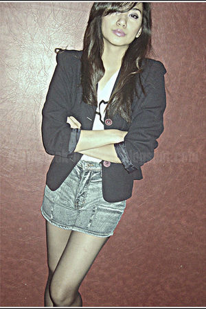 white Forever 21 top - black Copint blazer - blue Jag shorts - black department 