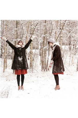 black with fur collar vintage coat - brown ois boots - brick red thrifted skirt