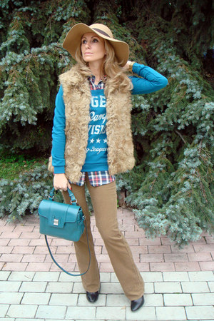 teal Zara bag - beige Accessorize hat - camel Zara vest - camel Uniqlo pants