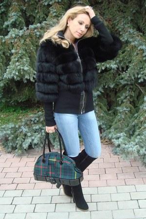 black arctic fox Dolce&Gabbana jacket - black suede carlo pazolini boots