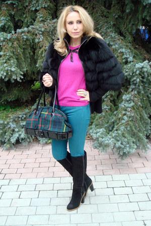black arctic fox fur Dolce&Gabbana coat - green jean paul gautier bag