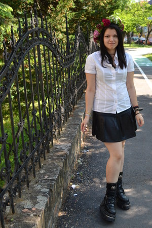 black New Rock boots - white unknown brand shirt - black Spiral skirt