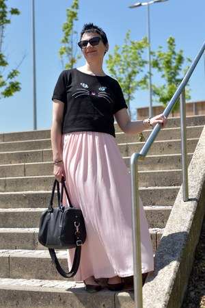 pink maxi skirt La Redoute skirt - black H&M shirt - black Bipa bag