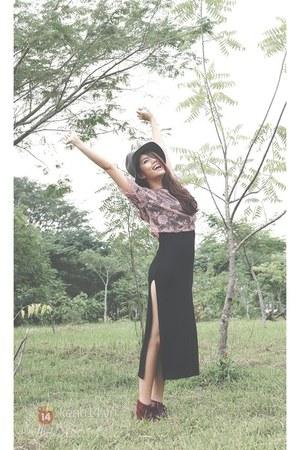 black skirt - crimson shoes