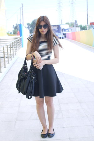 black Zara bag - black Boohoo skirt - black Clarks flats - white H&M top