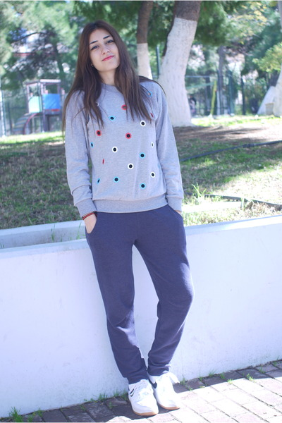 periwinkle PERSUNMALL sweatshirt - purple H&M pants - white nike sneakers