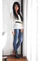 black Zara boots - blue Zara jeans - ivory Bershka shirt - black Moschino belt